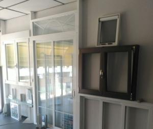 Exposición ventanas de aluminio, carpintería y PVC